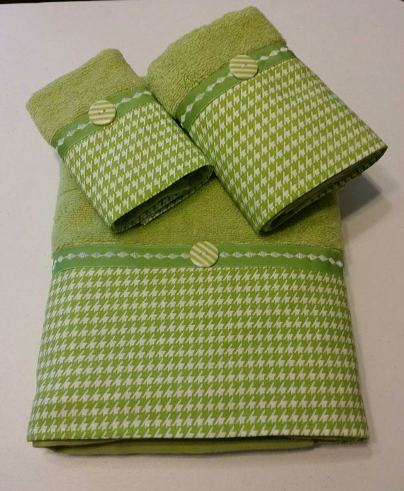 Lime Green and White Houndstooth Bath Towel Set by LadyDiBlankets