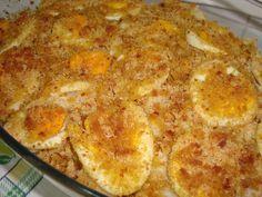 Bacalhau com grão no forno, com crosta de broa de milho