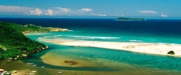Playa Guarda do Embaú, Brasil (a 40 km de Florianópolis)