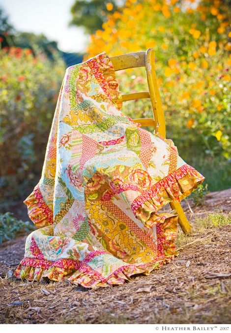ruffle quilt: Pink Cupcake, Quilts Patterns, Kids Quilts, Color Schemes, Color Combos, Big Girls Rooms, Beauty Quilts, Heather Baileys, Lap Quilts