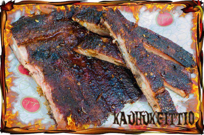 Spare Ribsit grillissä Smokenatorilla | Spare Ribs smoked on Smokenator