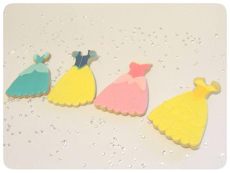 Disney Princess Royal Glaze Cookies #Cookies #Princess #Beauty #Cinderella #SnowWhite #SleepingBeauty #RoyalGlaze #EndulzArte