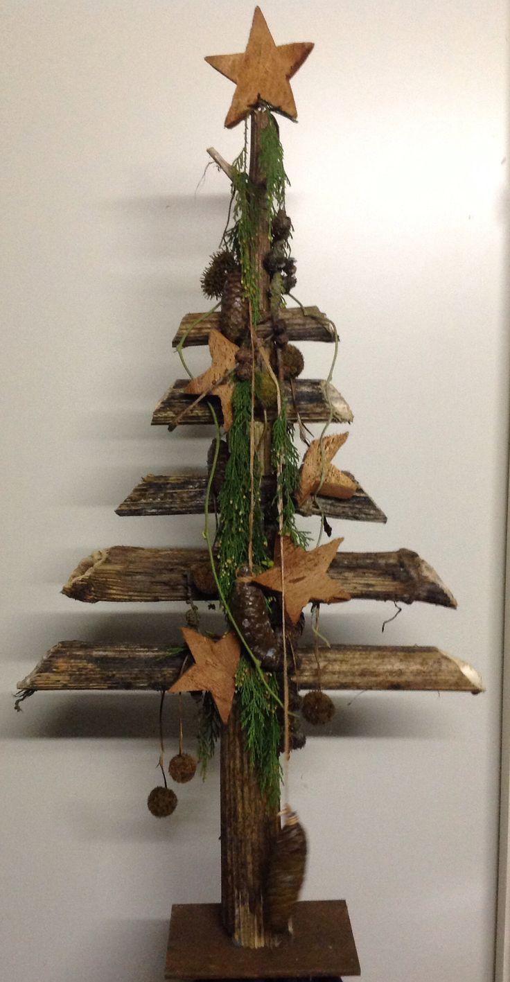 Heracleum = berenklauw stelen als kerstboom. Design, Paul