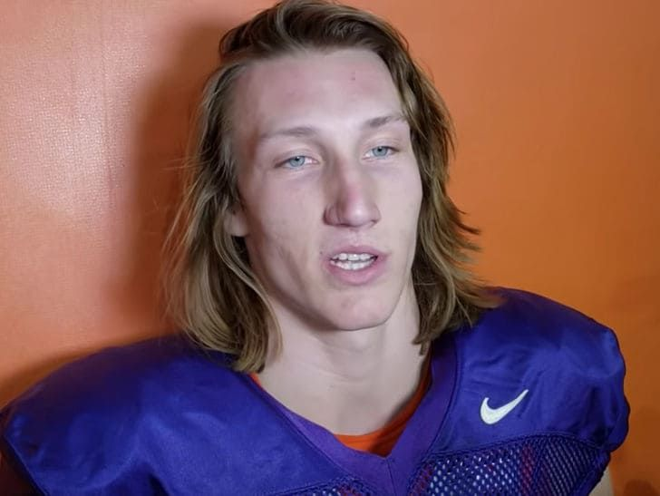 Tmz Trevor Lawrence On Clemson Hoops Shoving Incident I Should Be Smarter Clemson Superstar Qb Trevor La Trevor Clemson Football College Football Playoff