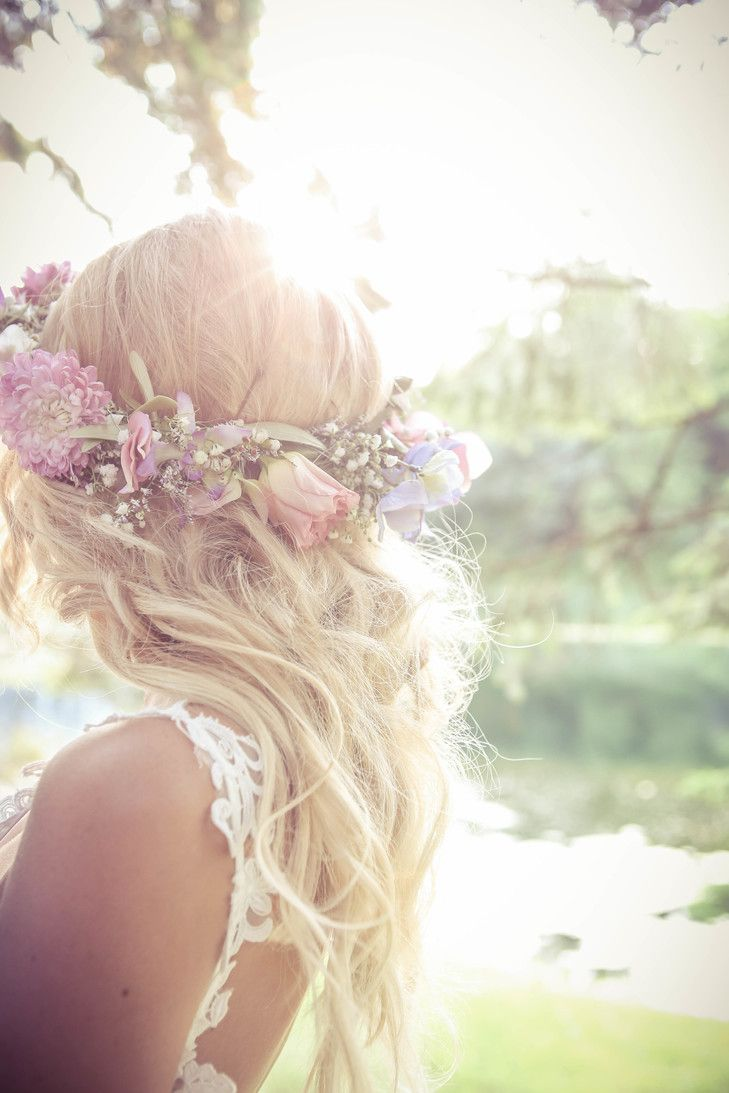 Rose and Baby's Breath Flower Crown | New Vintage Media https://www.theknot.com/marketplace/new-vintage-media-alliston-on-889279