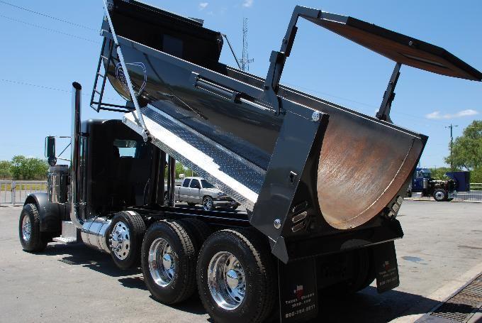 2003 Peterbilt 379-127 Dump Truck