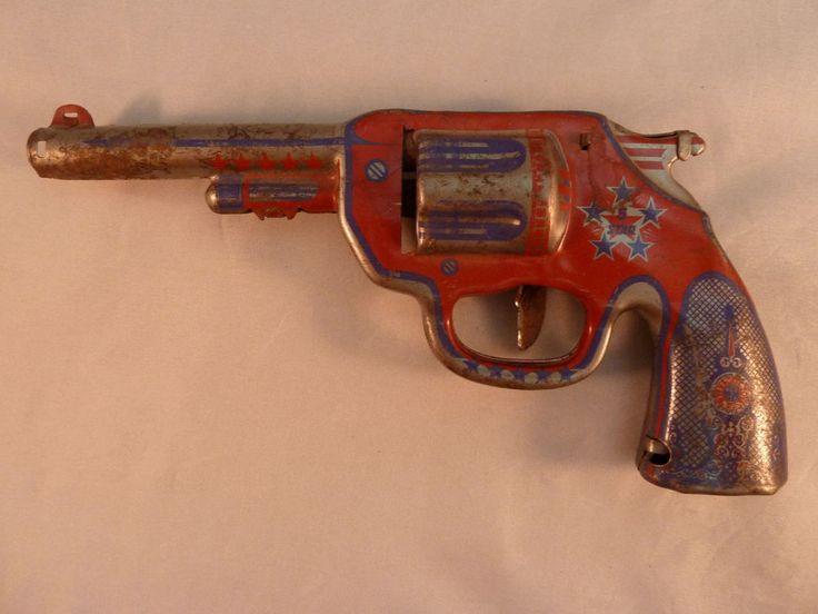 Antique Vintage Wyandotte Toys 5 Star Tin Toy Gun Pistol ...