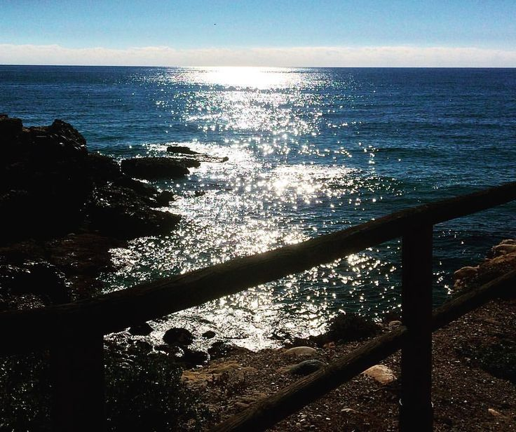 Playa de la Torrecilla en Nerja en Otoño: Juan Carlos Gómez (jcgomvar) en Instagram.