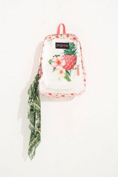 Cada mochila custa R$ 279 - essa estampa é a Amor de Abacaxi!
