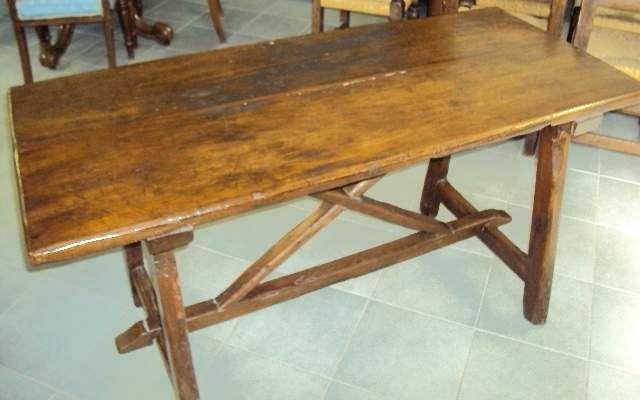 Antico tavolo fratino in castagno