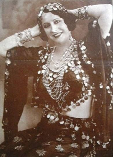 Badia Masabni  'Badia Masabni (Arabic: بديعة مصابني, born Wadiha Masabni Arabic: وديعة مصابني; 1892-1974), was an actress and belly dancer of Lebanese and Syrian origin, best known for opening a series of influential clubs in Cairo from the 1920's onward.