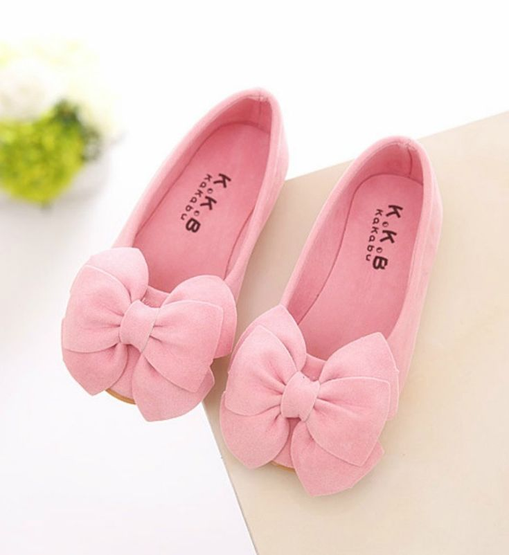 Toddler & Little Girl Shoes-Light Pink Casual Comfortable Toddler & Little Girl Flower Girl Shoes This very soft shoes made of nubuck leather. It is very resistant to wear. Perfect for weddings, birthday, communion, baptism, christmas or baby shower gift Fit from 2-10 years Please choose  your little girl size by sole length