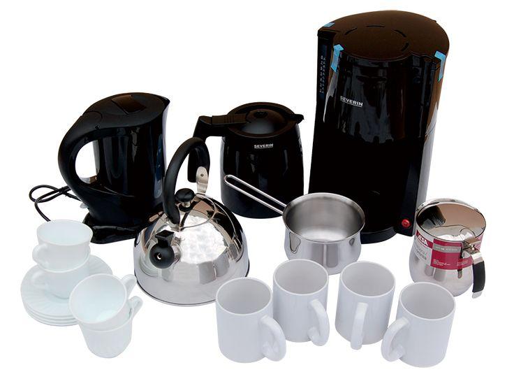 I Kit Colazione OLANDA sono stati creati per permettervi di avere nelle case mobili del vostro campeggio un comodo set di accessori per la colazione internazionale dei vostri clienti...ogni Kit Breakfast Olanda (per 4 o 6 persone) comprende: due moke per il caffè, una teiera da 1 lt., un bollilatte, una macchina del caffè elettrica, un bollitore elettrico e un servizio di tazzina+piattino e mugs.