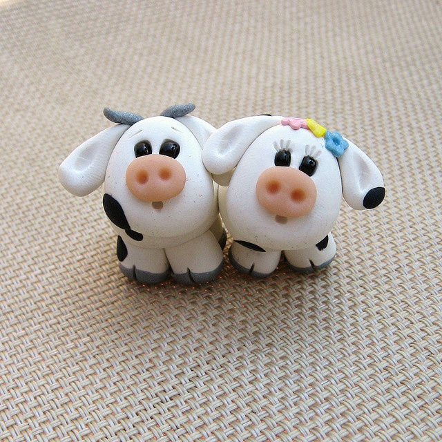 *POLYMER CLAY ~ Cows in Love- A polymer clay couple by Clayin' Around, via Flickr