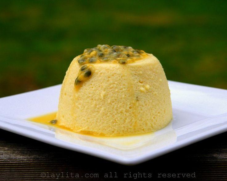 El mousse de maracuyá es un delicioso y refrescante postre preparado con jugo de maracuyá (chinola, parcha, o parchita) , crema de leche o leche condensada, huevos y azúcar.