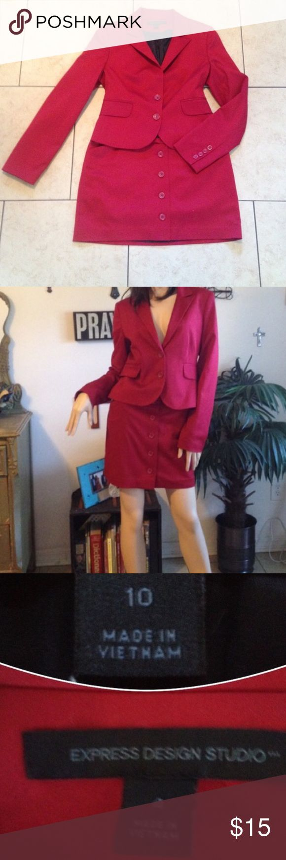Express red button down suit skirt size 10 Express red button down suit skirt size 10. I have the jacket as well but it's a size 4 so not the perfect match for the skirt unfortunately. 👯 🎉Bundle deals available (I carry various sizes and brands): 2 items 10% off, 3 items 15% off, 4 items or more 20% off 🎉 Express Skirts Mini