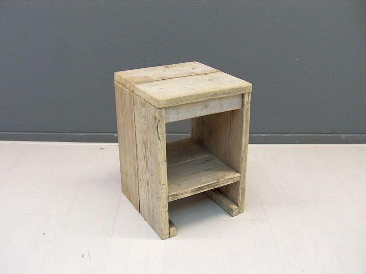 Krukje/nachtkastje van oud gebruikt steigerhout Afmeting B36xD38xH52cm (19720131445) | Nachtkast/Kruk/Speelgoedkist | JORG`S Houten Meubelen