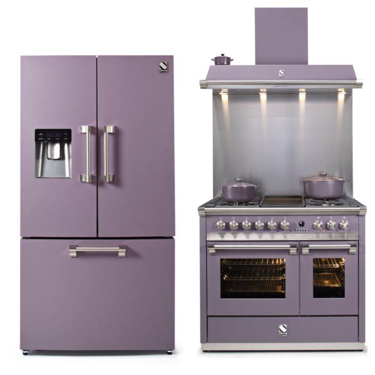 Zestaw sprzętów marki Steel z lini Ascot. Lodówka typu French-Dor 90 cm szerokości, piec kuchenny i okap 100 cm szerokości