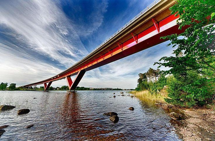 Bridge in Motala Sweden. #bridge #motala #sweden #ig_sweden #hdr #colors #thislifetoday #spring #nikonphotography #nikon #visitsweden #motalasjöstad #motalabron #motalaföretagsby