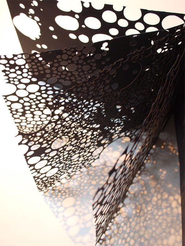 Paper + Book + Art | 紙 + 著作 + アート | книга + бумага + статья | Papier + Livre + Créations Artistiques | Carta + Libro + Arte | bubbled pages by Momoko Kida