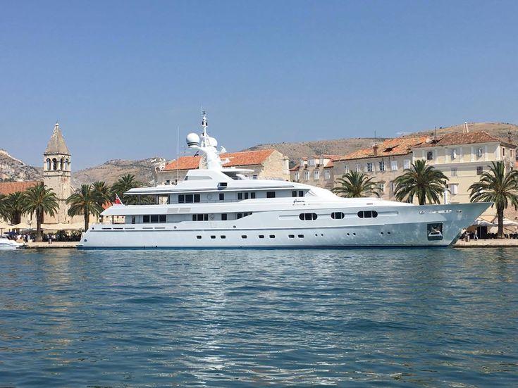 Bernie Ecclestone Trogirban nyaral! Most élőben is megnézheted a világ egyik legdrágább yachtját!