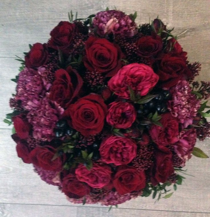 bouquet of burgundy color