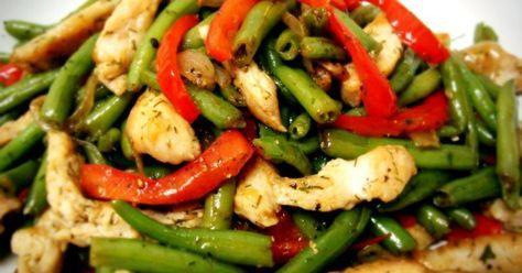 Очень нежный салат для любителей полезного, но вкусного питания!