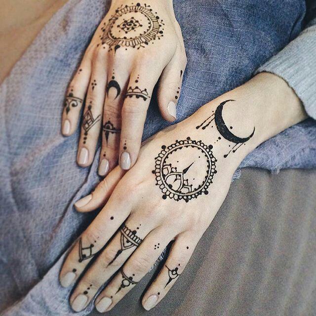 Red Henna Tattoo: Henna Tattoo Designs, Henna Tattoo Hand