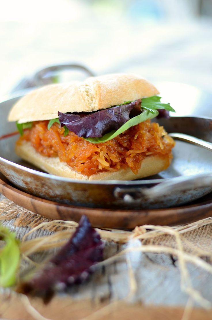 Recette de burger végétarien à la courge spaghetti et sauce barbecue maison...