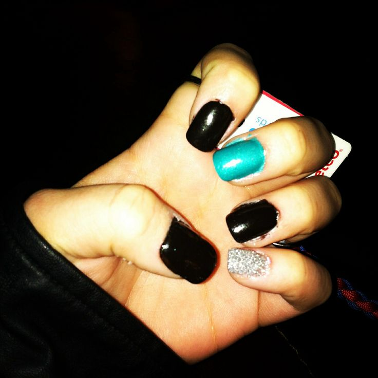 black and teal nails. sparkly pinkie