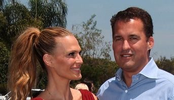 Molly Simms and husband Scott Stuber are expecting their second baby!  New baby will join big brother Brooks. #celebs