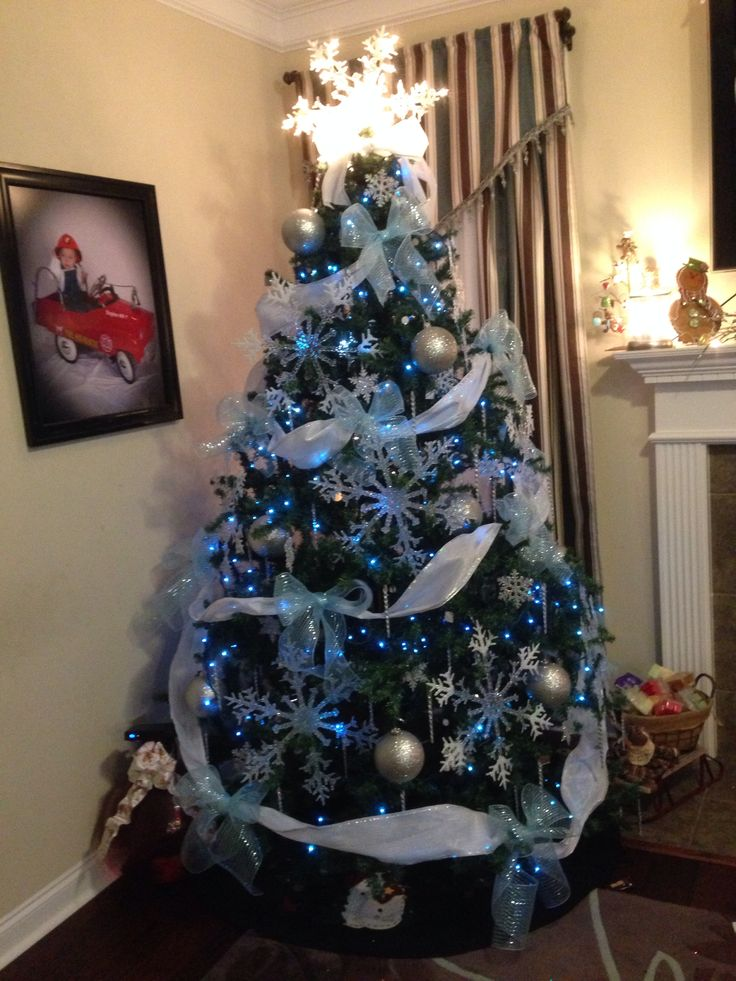 Frozen Christmas Tree Disney S Frozen Themed Christmas