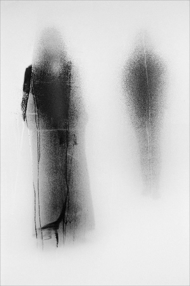 black and white painting of silhouettes: présents & absents | Artist / Künstler: John Batho |
