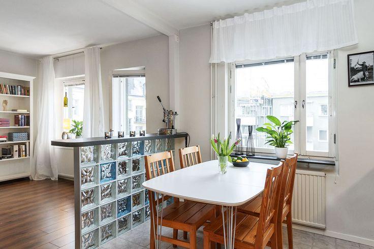 Kronobergsgatan 25, 3 tr, Ö G | Karlsson & Uddare скандинавская студия кухня гостиная интерьер в скандинавском стиле