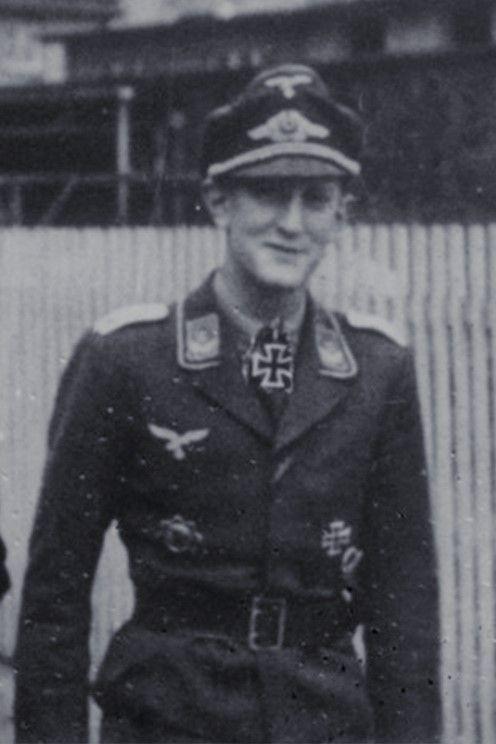 Oberleutnant Robert Hoefeld (1917-1971), Führer 4./Fallschirmjäger Regiment 5, Ritterkreuz 18.05.1943