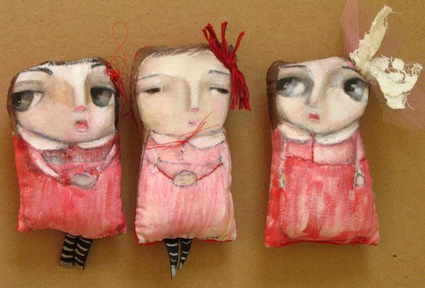 these remind me of therectangular paper dolls we made as children....very similar