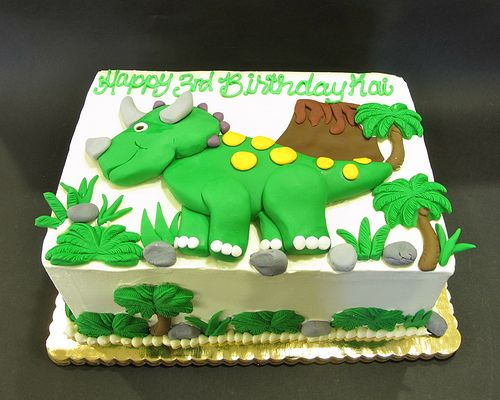 Elaborate Fondant Dinosaur and Scenery by Creative Cakes - Tinley Park, via Flickr
