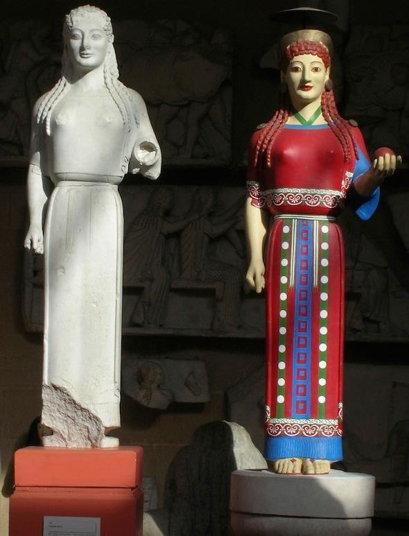 Η αρχαϊκή πεπλοφόρος Κόρη και το επιχρωματισμένο αντίγραφο της  Archaic ''Kore'' Statue and it's painted Replica