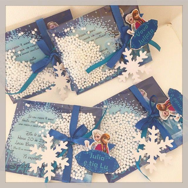 Os convites da festa da Isabela foram cheios de charme, com neve e tudo mais! #convites #frozen #personalizados #ratchimbum #loja #novaodessa #festamenina #kidsparty