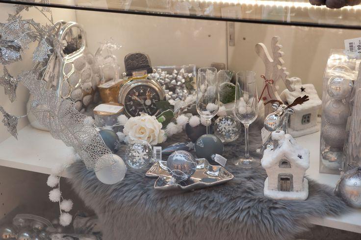 Stand kika in AFI Palace Cotroceni #kikaromania #decoratiuni #accesorii #iarna #living #emotie #familie #camin #locuinta #argintiu #globuri #jucarii #Craciun #MosCraciun #cadouri #dorinte #SarbatoriIarna #zapada
