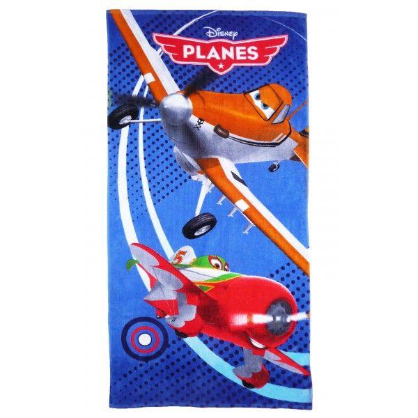 Flot og farverigt badehåndklæde med motiv af Dusty og El Chupacabra fra Disney filmen Planes. Håndklædet måler 140 cm x 70 cm og er i 100% bomuld.