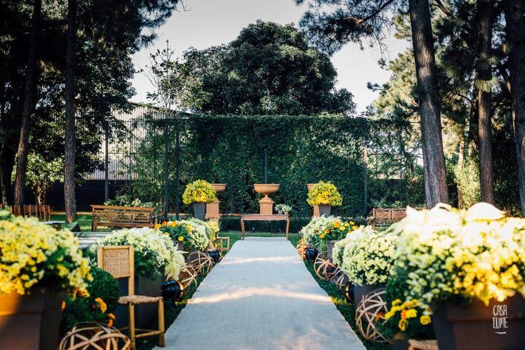 Casamento ao ar livre em Ribeirão Preto – Simone e Filipe http://lapisdenoiva.com/casamento-simone-e-filipe/ Foto: Casa Lume