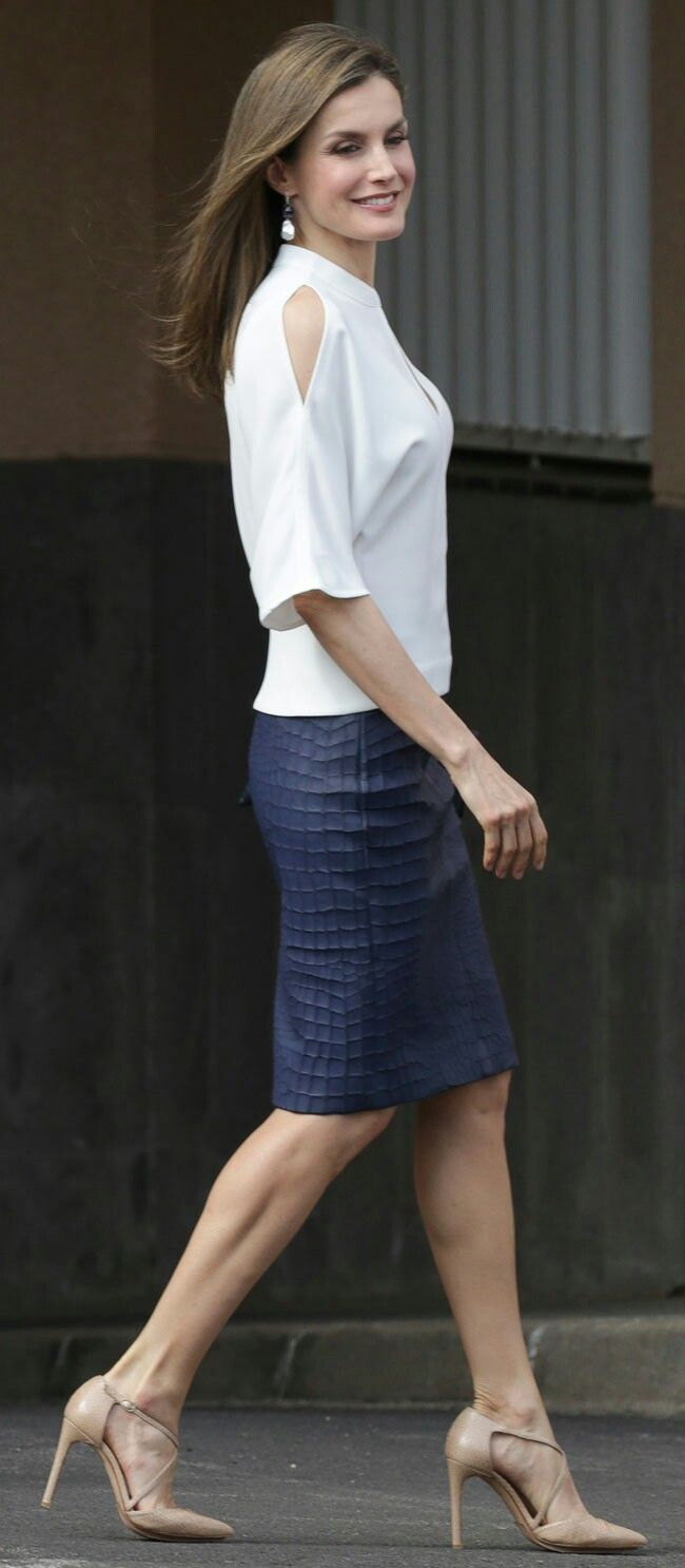 Queen Letizia - White Adolfo Dominguez short-sleeve cold shoulder top - blue Hugo Boss croc-embossed leather skirt - Magrit 'Laura' pumps.