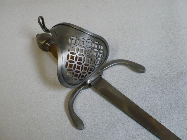 Pierced Sail Dagger : Darkwood Armory!, Art in steel