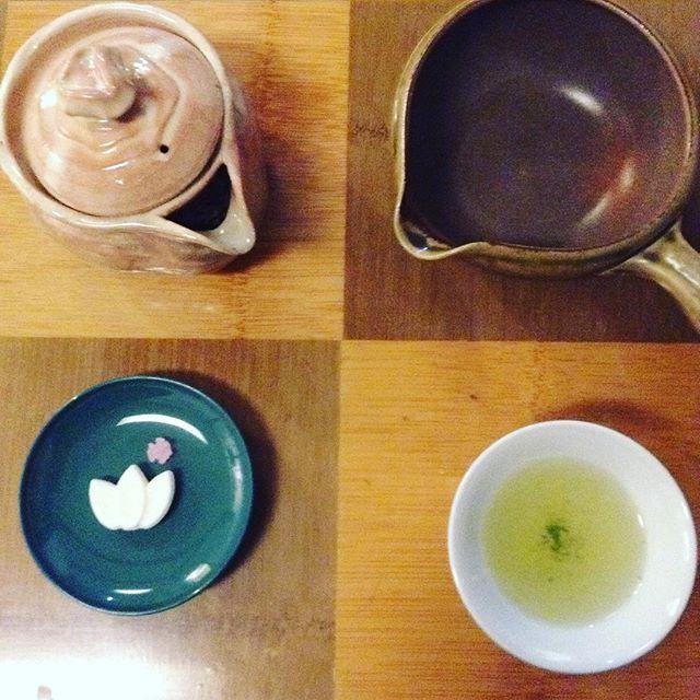 今日は第1回大大阪お茶会でしたねたくさんの方にお越しいただきましたありがとうございましたスタッフでわちゃとしてたけれど楽しみましたやっぱりお茶をいれるのがいい()