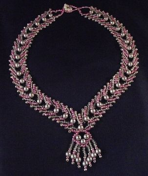 Pink and Silver Necklace Pattern by Cecilia Rooke at Bead-Patterns.com