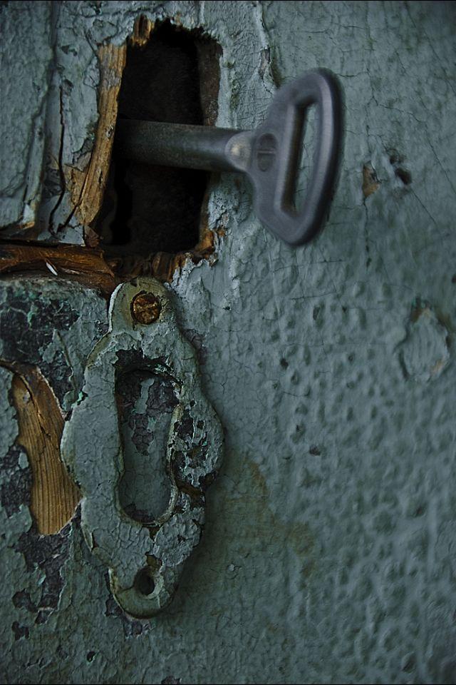Milf forgot to lock back door