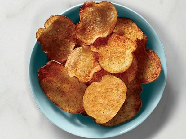 How to make your own Old Bay Chips with russet potatoes in the oven