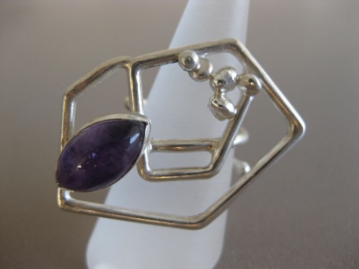 silver ring with amethist