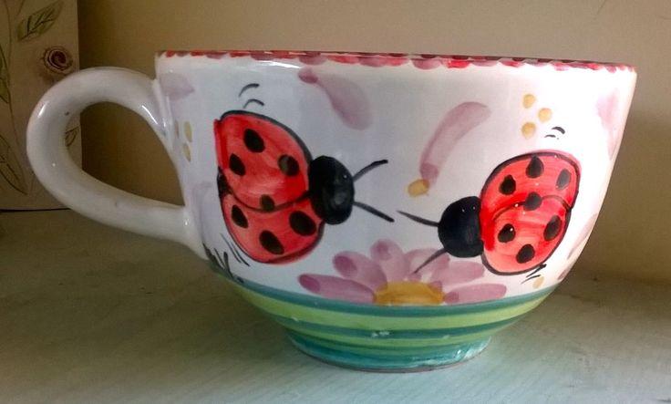 Tazza grande in ceramica per far affondare per la tua colazione! E' possibile personalizzarla. Prenotala su Cittaweb E la paghi presso la bottega di Rende